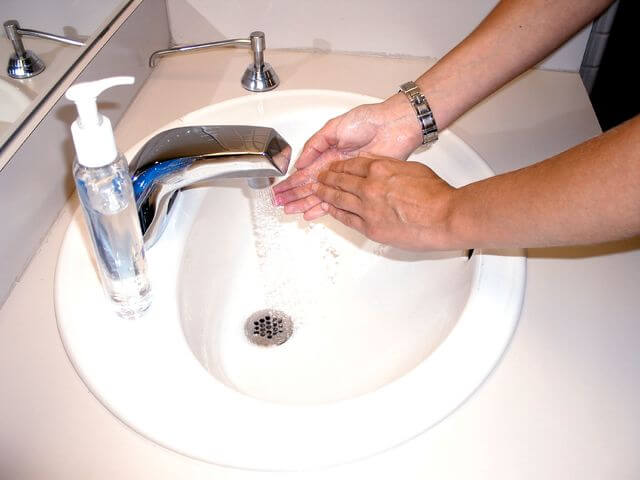 proper washing hands